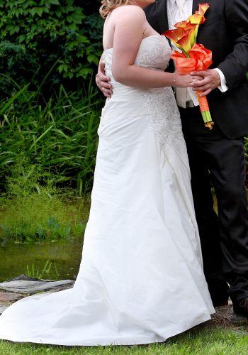 Second Hand Brautkleid | Einzelanfertigung | A-Linie | Gr. 44