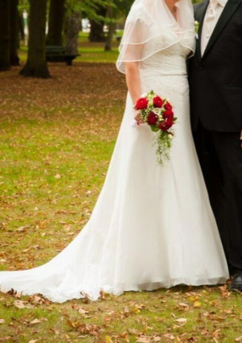 Second Hand Brautkleid | Sincerity Bridal / Justin Alexander | A-Linie | Gr. 44
