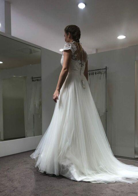 Second Hand Brautkleid | Lillian West (NEU!! Kleid wurde nie getragen!) | A-Linie | Gr. 38
