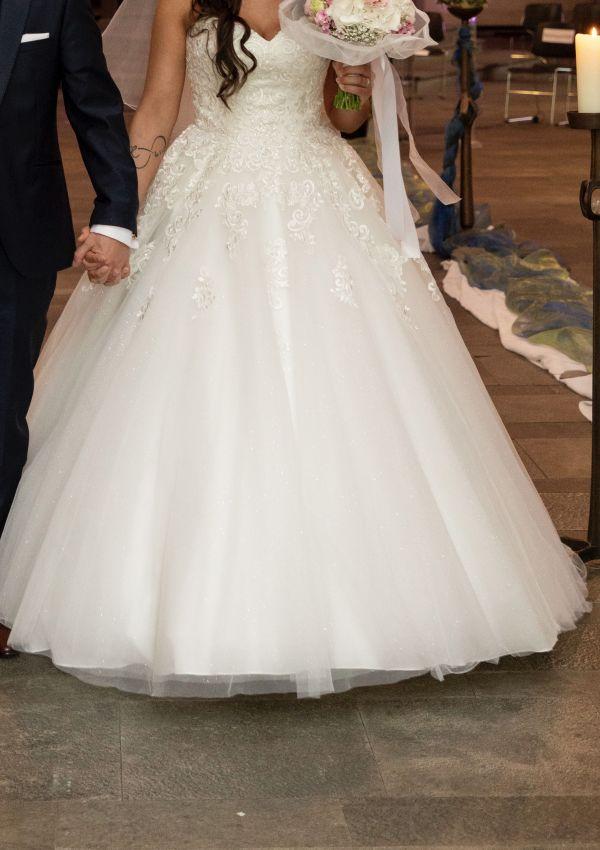 Second Hand Brautkleid   Prinzessin   Gr. 38   Maßgeschneidert