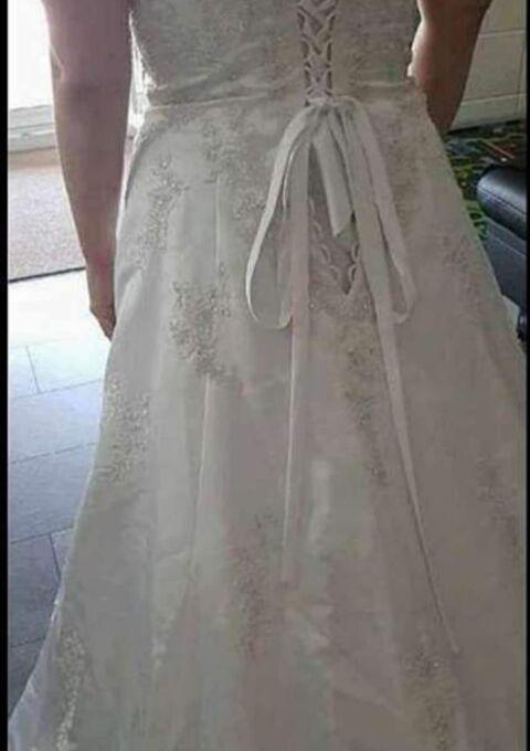 Second Hand Brautkleid | Standesamt | Gr. 44 | Neu & ungetragen
