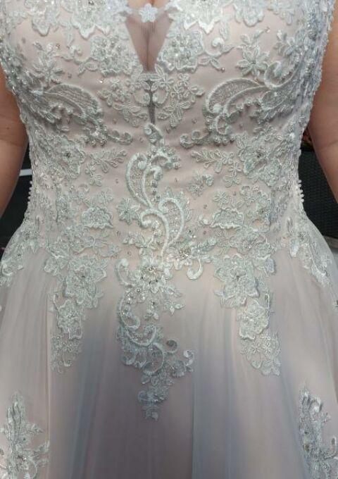 Second Hand Brautkleid | Schantal | A-Linie | Gr. 44 | Maßgeschneidert | Neu & ungetragen