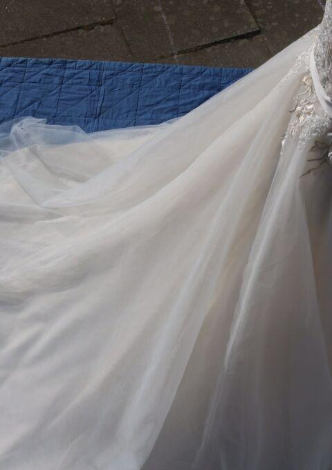 Second Hand Brautkleid | Stephen Raymond | Stephen Raymond | A-Linie | Gr. 36 | Neu & ungetragen