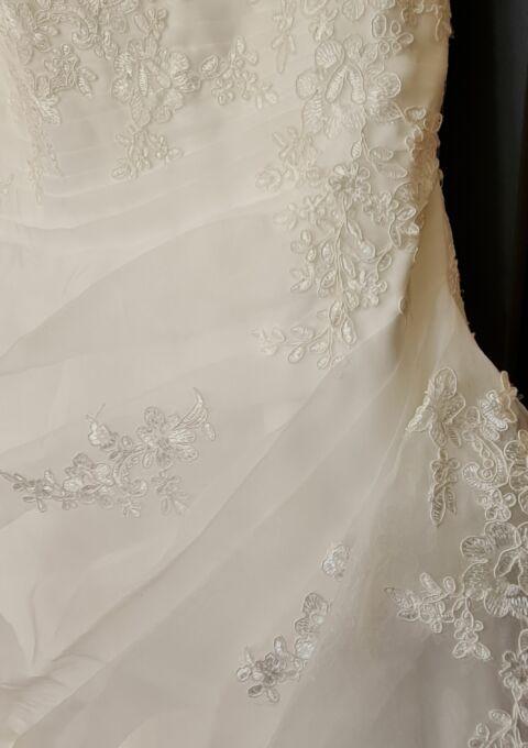 Second Hand Brautkleid   Taubenweiß   A-Linie   Gr. 42   Maßgeschneidert   Neu & ungetragen