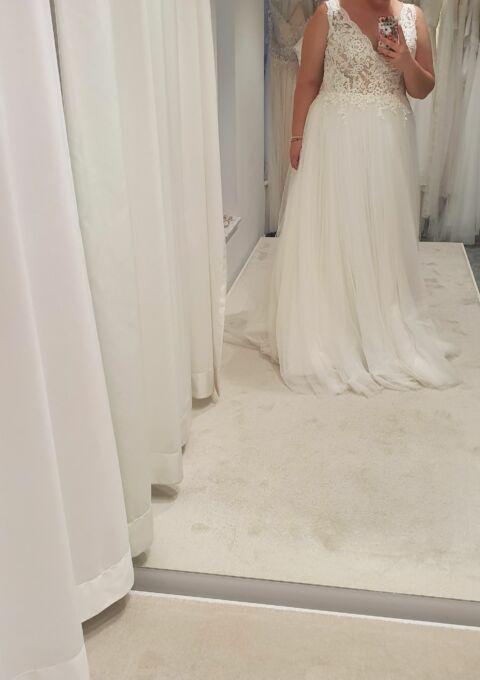 Second Hand Brautkleid | Pronovias Barcelona | Dalgo | A-Linie | Gr. 44 | Maßgeschneidert