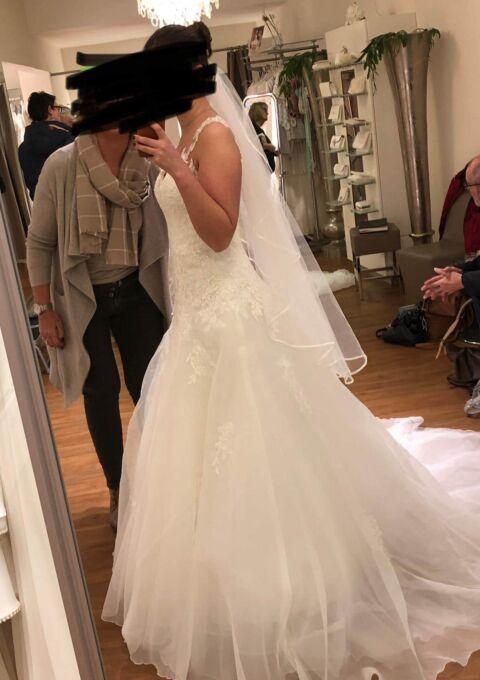 Second Hand Brautkleid | St. Patrick / Pronovias | A-Linie | Gr. 36 | Neu & ungetragen