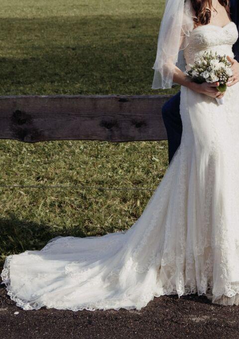 Second Hand Brautkleid   La Sposa / St. Patrick / Pronovias   Fit and Flare   Gr. 36