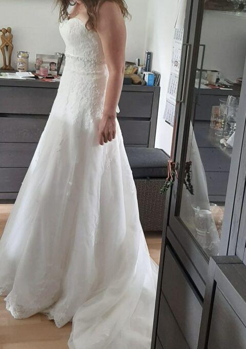 Second Hand Brautkleid | Amera Vera Einmal Prinzessin | A-Linie | Gr. 38